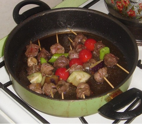 Приготовить шашлык на сковороде